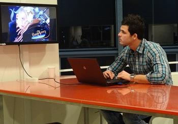 Lukáš Kerhart, student VIA University College se připravuje na prezentaci