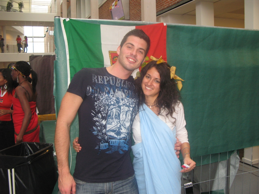 Mezinárodní den u italského stánku
